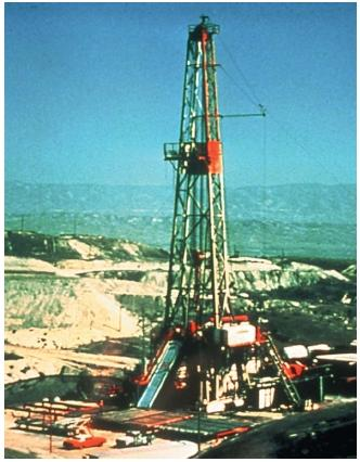 Deep drilling oil rig at Naval Petroleum Reserve's Elk Hills site near Bakersfield, California. (Reproduced courtesy of the U.S. Department of Energy.)