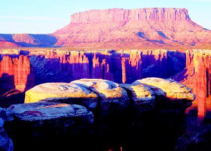 Mesa and butte the shape of the land forces and changes spotlight on famo - Definition d un plateau ...